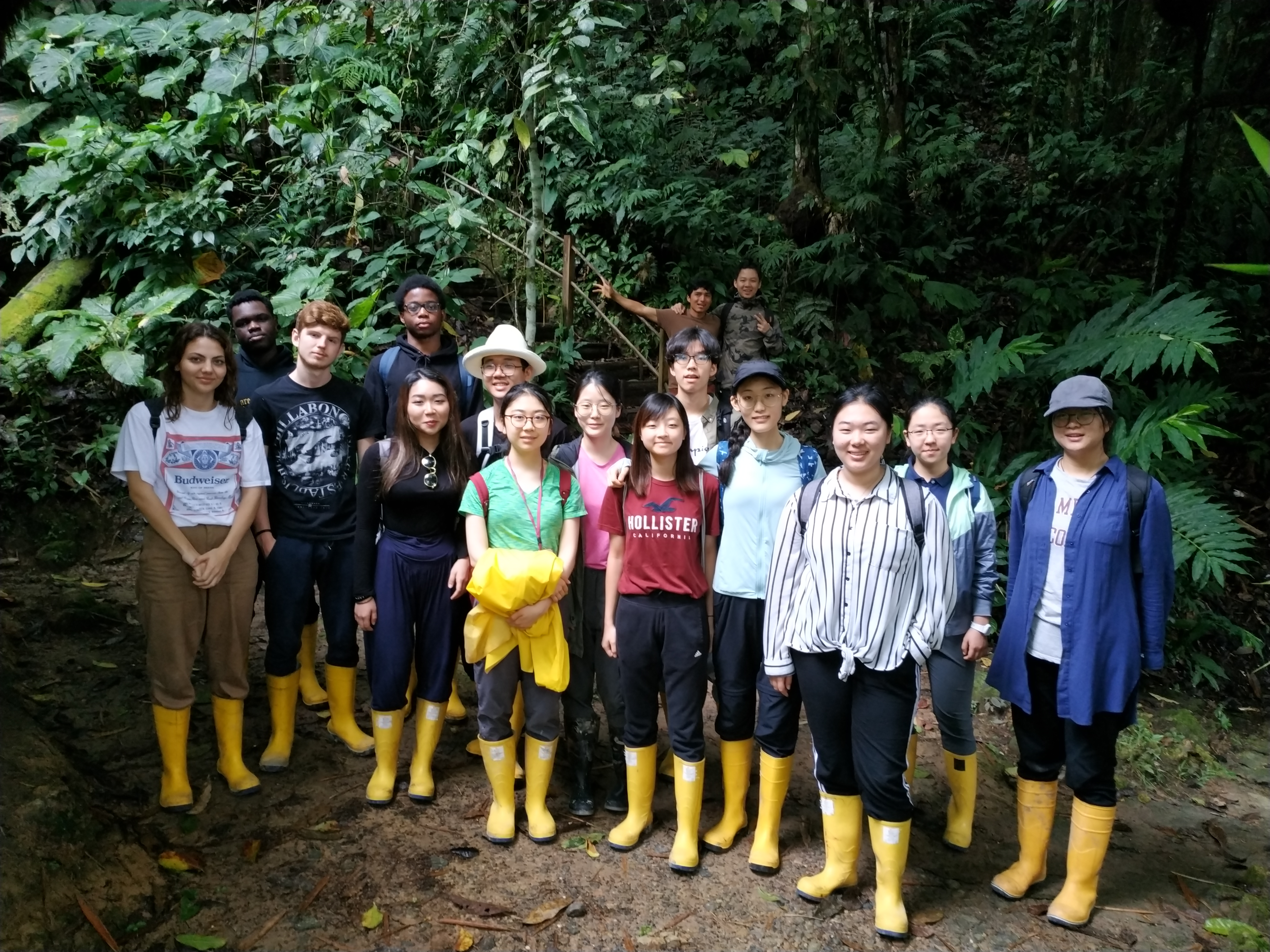 CIC Students Leave Their Mark in Ecuador